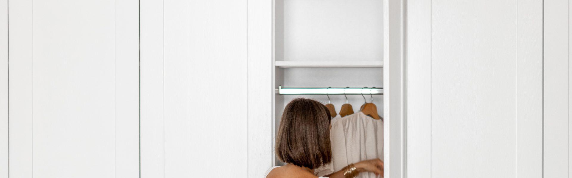Jak wybrać i zmieścić szafę w małym mieszkaniu